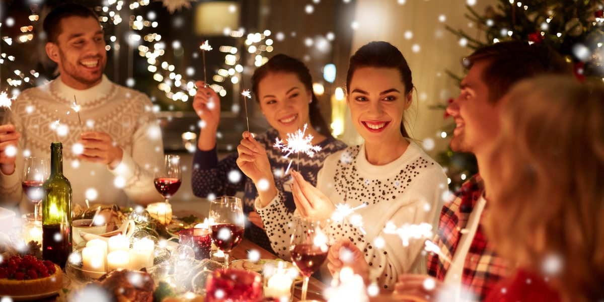5 Ways Agents Can Make Their Holiday Social Media Content Shine