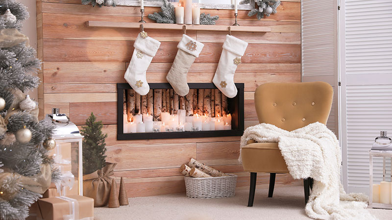 Winter Holiday Staging Checklist for Your Clients